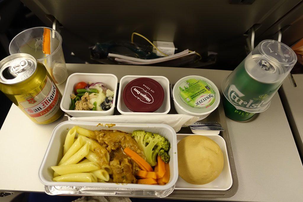 CX451便機内食